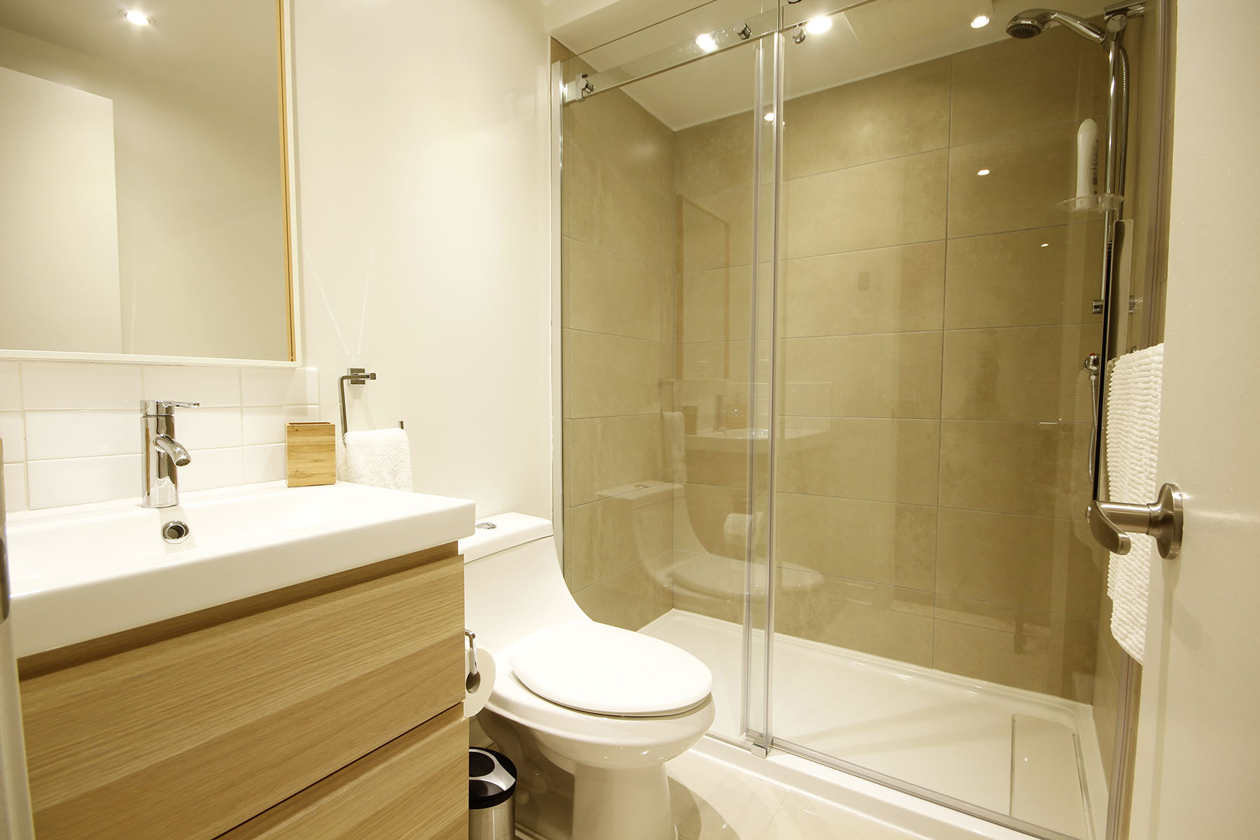Bathroom Renovation in the west island of montreal, home renovated in Beaconsfield and ile-bizard.