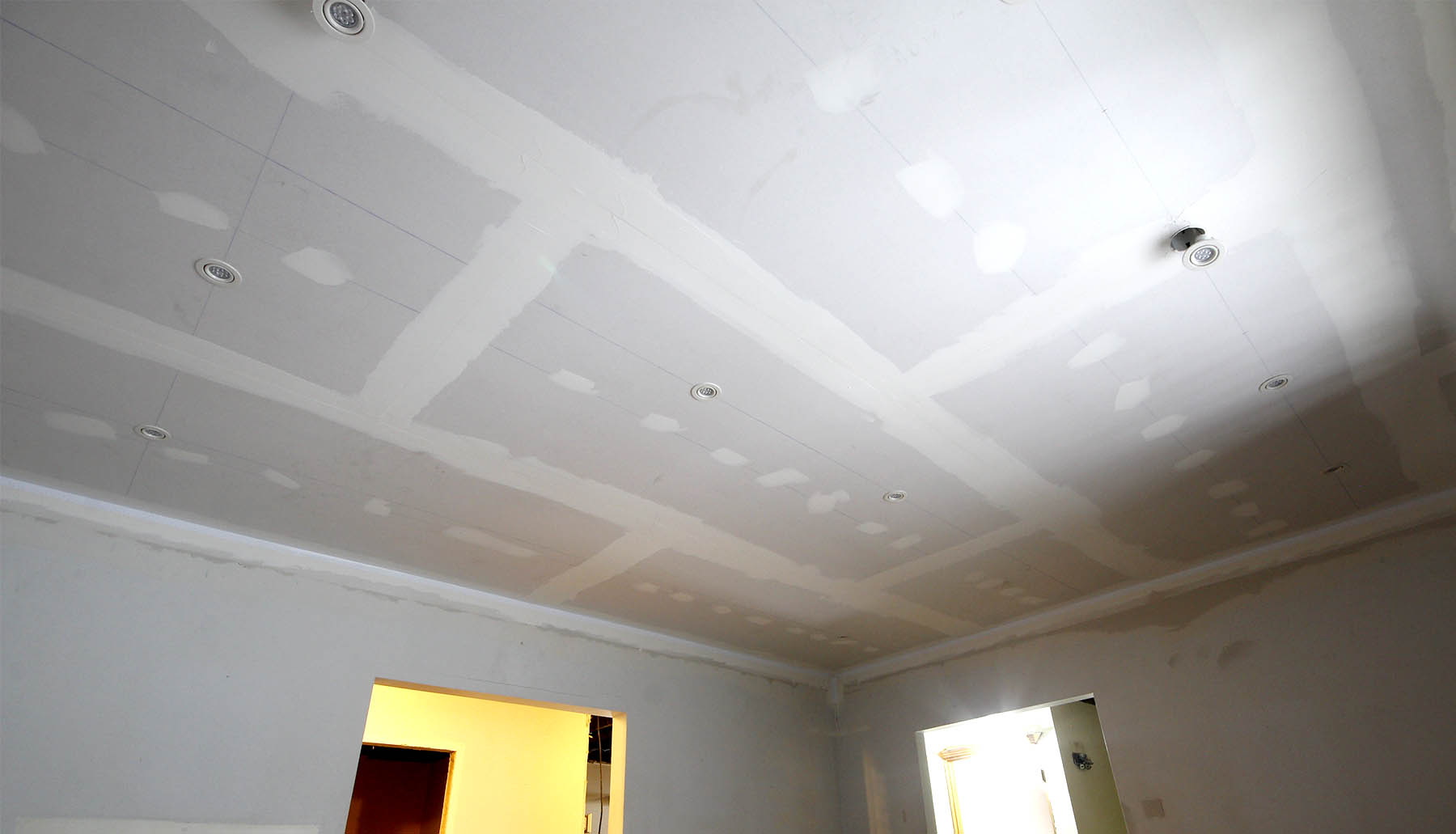 plaster and gyproc and framing walls services for renovation and construction in and around Montreal, Quebec.